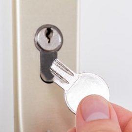 روش های در آوردن کلید گیر کرده در قفل