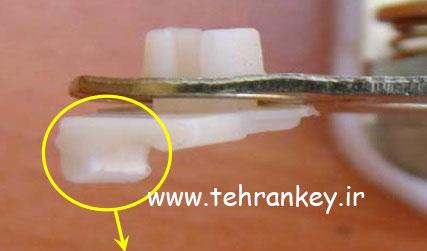 شکستن بست پلاستیکی و در آمدن میله از بست